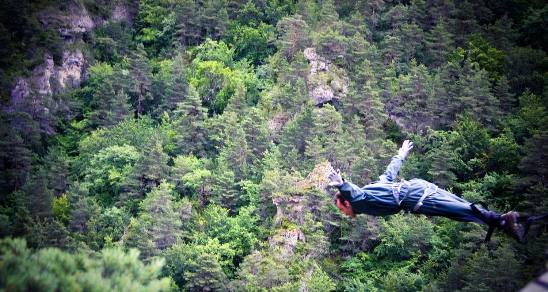 le107 saut elastique envol